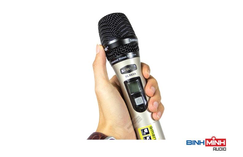 Tay micro không dây Shure BLX 68A